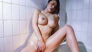 Incredible Japanese whore Kaede Niiyama in Exotic JAV uncensored Masturbation movie