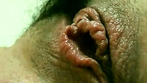 Hot close up amateur pussy fingering