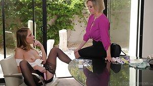 Mature pornstar Dee Williams and Accentuate Lux having lesbian sex