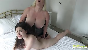 OldNannY British Matures Seductive Body Showoff