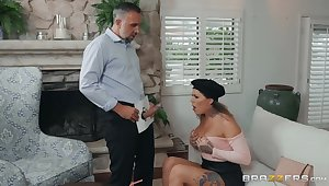 Intense couch sex nigh an obstacle tanned step mom nigh big ass