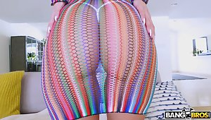 Bubble butt and fake tits make Brooklyn Chase the ultimate intercourse shoot off