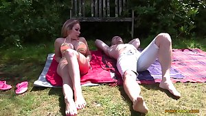 Backyard sexual surprise for the extremely unwitting hunk