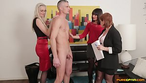 Naked man with a large dick gets sucked by Stephanie Blows