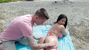 Unintended suntanned picked up coupled with fucked at the beach